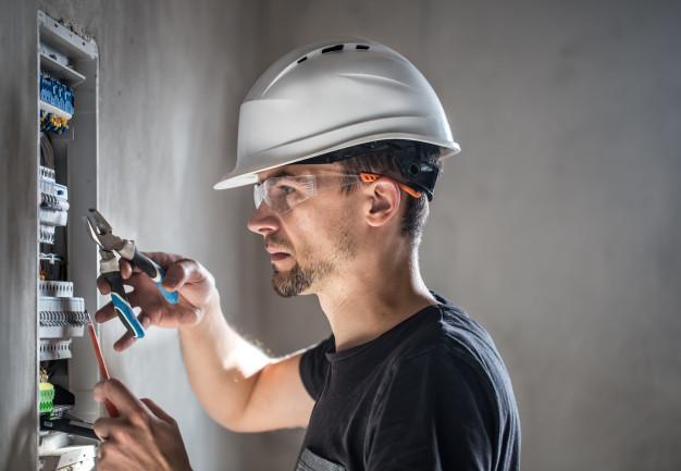 Électriciens – ce qu'ils font
